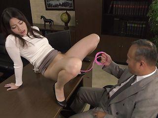 Муж дрочит жене порно онлайн