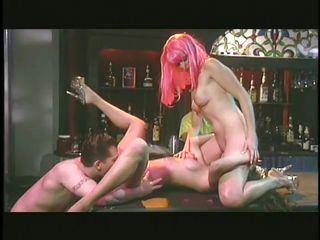 Порно актрисы зрелые брюнетки
